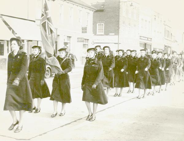 AH13 Ailsa leading Shoreham Rangers in the High Street