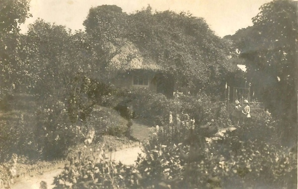 AH4 Ailsa Craig Cottage in the garden of Ashcroft